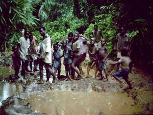 congo children dancing in the mud