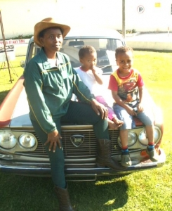 Khungeka fulvia and kids